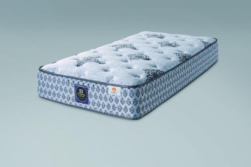 シーリーのベッドマットレス「クラリスⅡ プラッシュ」です