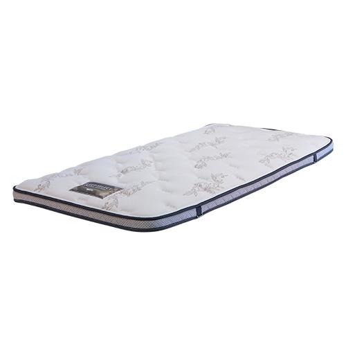 リバーブル01の専用トッパーです。内部構造が3種類あり、お好みの寝心地をカスタマイズしていただけます。