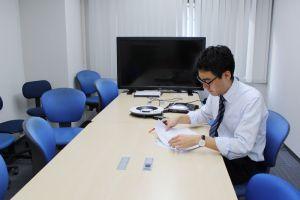 本社会議室3